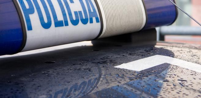 1341842-policja-radiowoz-657-323
