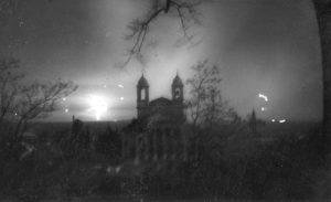 bombardamento_notturno_su_vicenza_visto_da_schio_inverno_1944-1945