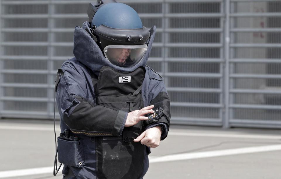 960x614_les-service-de-deminage-a-pris-en-charge-la-grenade-retrouvee-dans-le-jardin-de-la-creche