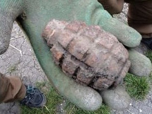 klentnice-nalez-sovetsky-granat-rucni-valka-pyrotechnik_denik-630