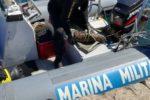 Proiettile cannone carico di tritolo trovato in Mar Piccolo a Taranto