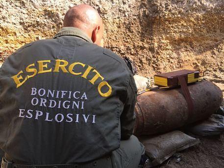 brillamento bomba arcoveggio bologna 22/10/2017