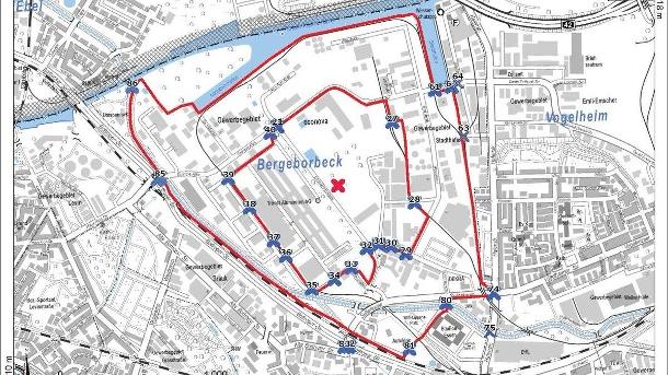 eine-karte-von-essen-in-dem-inneren-roten-kreis-muessen-die-anwohner-evakuiert-werden-im-aeusseren-sich-in-geschlossenen-raeumen-aufhalten-