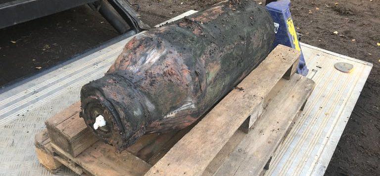 Die-Fliegerbombe-aus-dem-Zweiten-Weltkrieg-nach-der-Entschaerfung,1572517523810,kaiserslautern-opel-bombe-100__v-16x9@2dM_-ad6791ade5eb8b5c935dd377130b903c4b5781d8