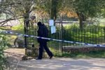 0_Bomb-disposal-team-in-Nonsuch-Park