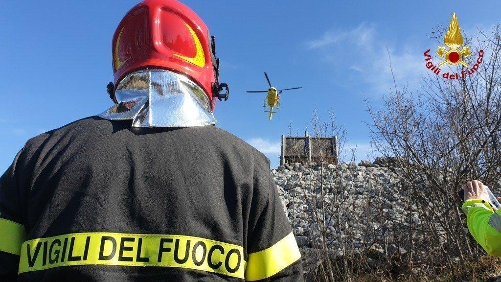 doberdò-del-lago-incendio-vigili-del-fuoco