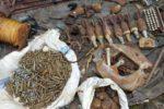 sejumlah-senjata-api-laras-panjang-granat-mortir-dan-amunisi-ditemukan-warga