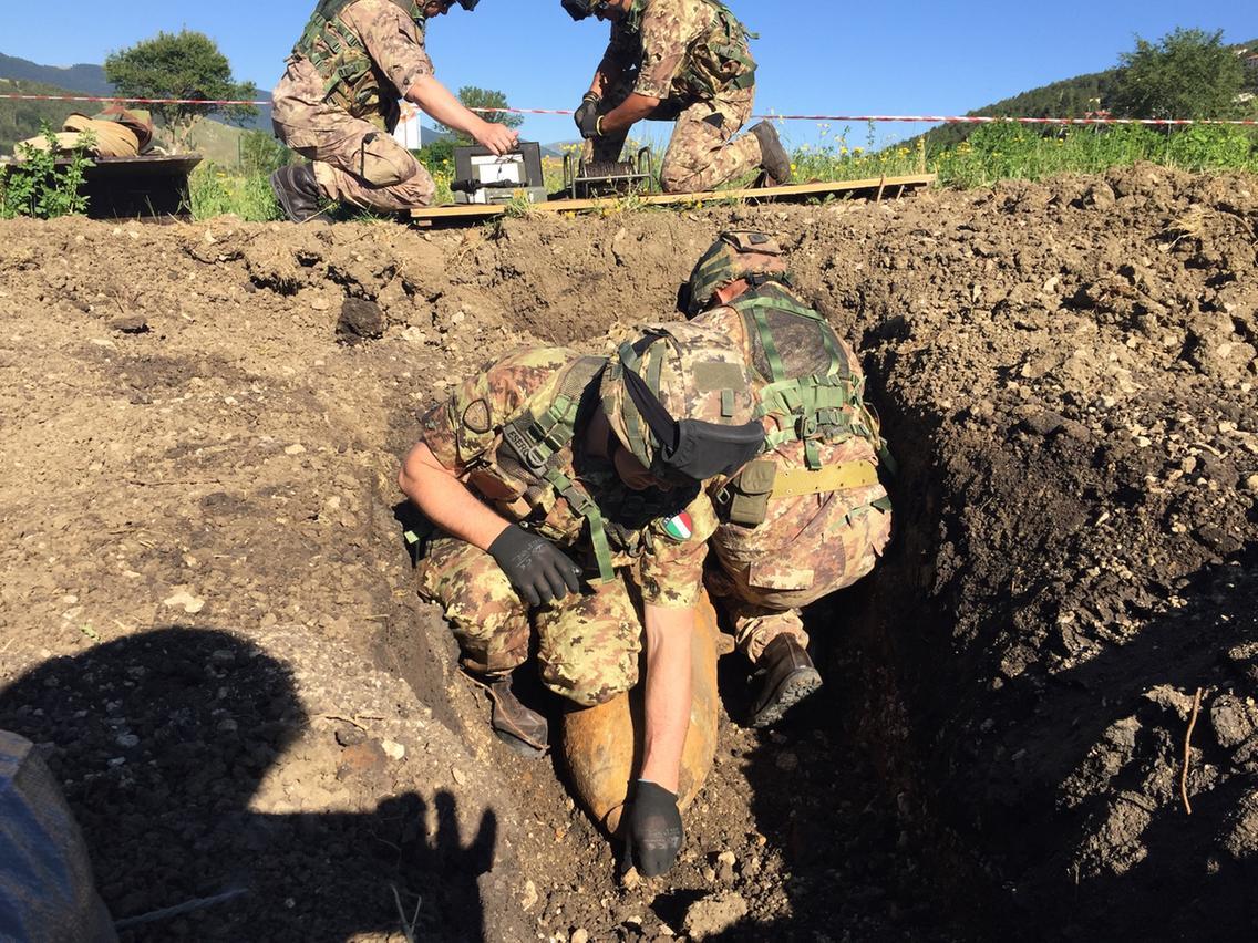 Esercito - Bomba Revisondoli - Foto 3 Artificieri Esercito