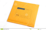 busta-gialla-della-lettera-isolata-con-il-percorso-di-ritaglio-42085703