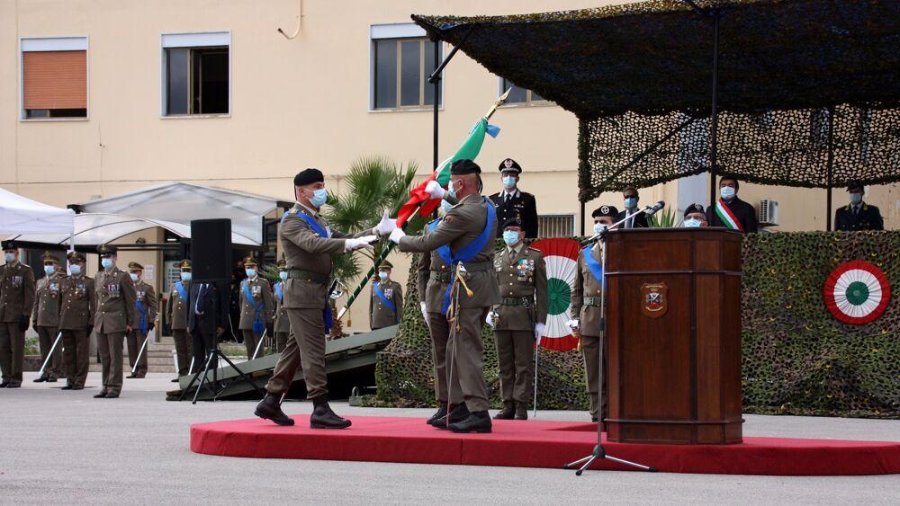 2. Passaggio della Bandiera di Guerra tra comandanti-2