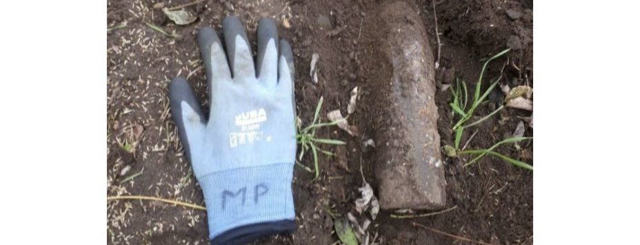 l-obus-etait-a-peine-enterre-photo-dr-daniel-leclaire-1607110604