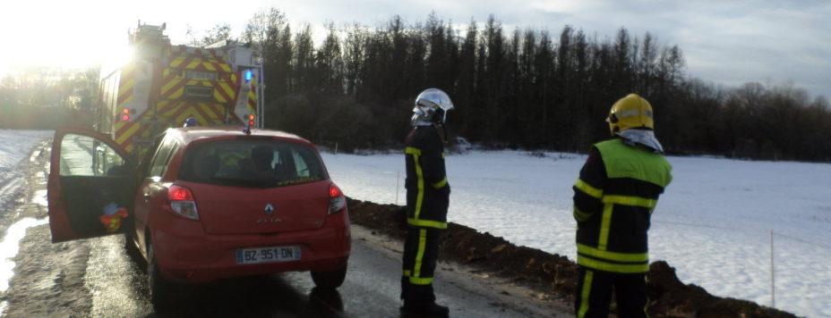 les-pompiers-ont-bloque-toutes-les-routes-menant-au-site-1611167414
