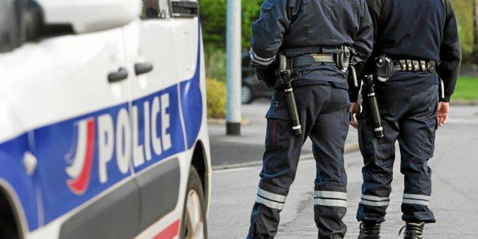PHOTO FRANCOIS DESTOC / LE TELEGRAMME VANNES (56) :  L'unité départementale des Douanes et la direction départementale de la Sécurité publique (DDSP) du Morbihan ont mené une opération conjointe de contrôles dans le cadre du CODAF (comité opérationnel départemental anti-fraudes). Contrôle jour Police Douane